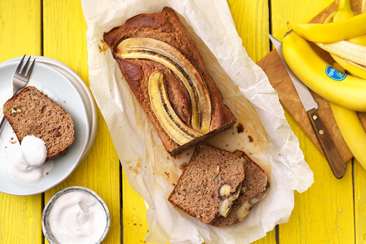 Ψωμί με μπανάνα και ξηρούς καρπούς