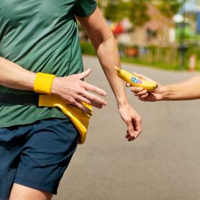 Η υγιεινή διατροφή και η γυμναστική τρελαίνουν την Chiquita!