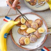 Ολλανδικά poffertjes (mini pancake) από αλεύρι φαγόπυρου με μπανάνα Chiquita