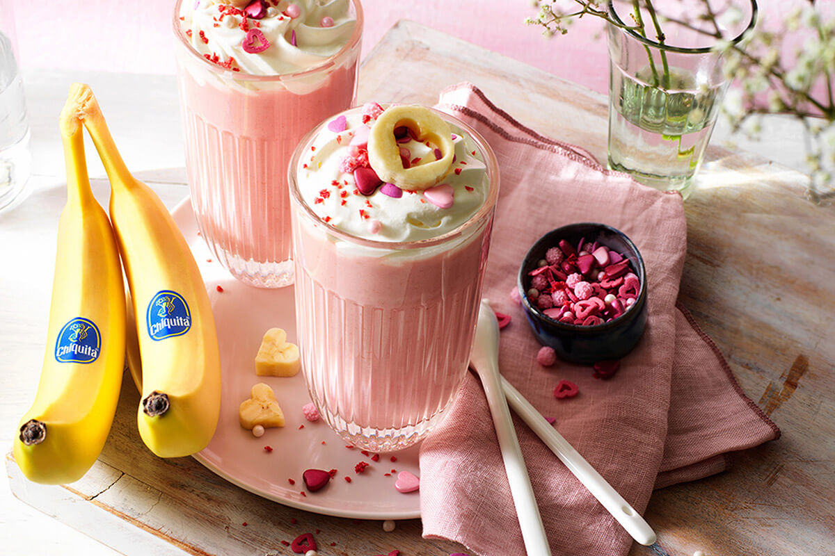 Ζεστή ροζ σοκολάτα με μπανάνα Chiquita για την ημέρα του Αγίου Βαλεντίνου  Chiquita Συνταγές
