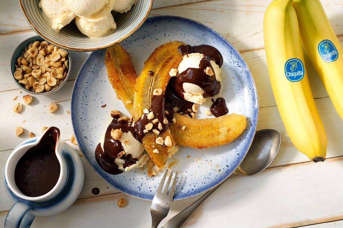 Chiquita μπανάνα σπλιτ με μαύρη σοκολάτα και φουντούκια