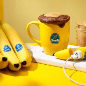 Κέικ σε κούπα με φυστικοβούτυρο, μπανάνα Chiquita και σοκολάτα