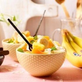 Υγιεινή, ελαφριά σαλάτα Αμβροσία με μπανάνα Chiquita
