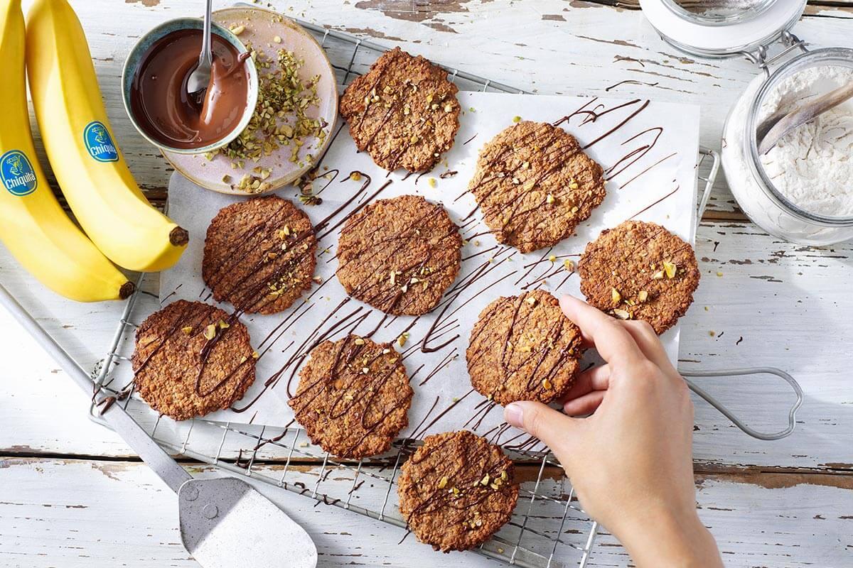 Μπισκότα βρώμης με μπανάνες Chiquita και μαύρη σοκολάτα