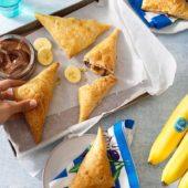 Γρήγορο ελληνικό calzone σοκολάτα με μπανάνα Chiquita και καρύδια