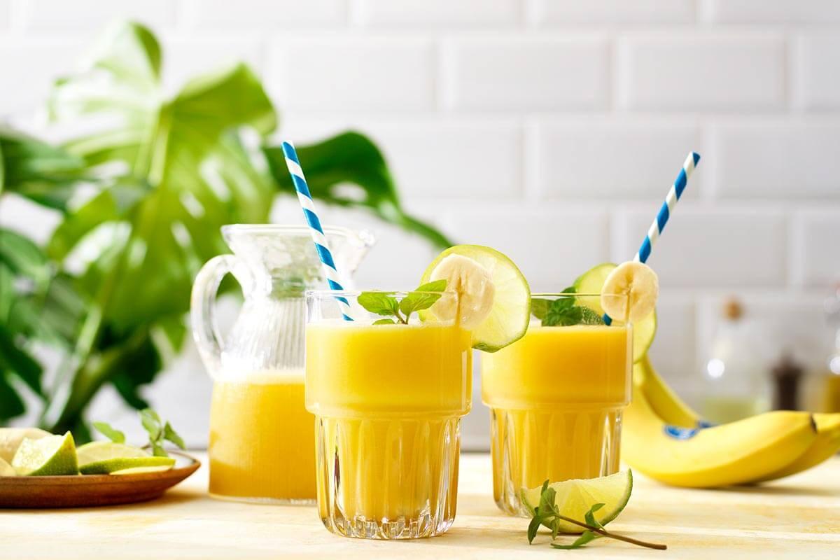 Τροπικό colada shake με μπανάνα Chiquita και νερό καρύδας