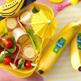 Ρολάκια τορτίγιας με φέτες οργανικής μπανάνας Chiquita και φυστικοβούτυρο