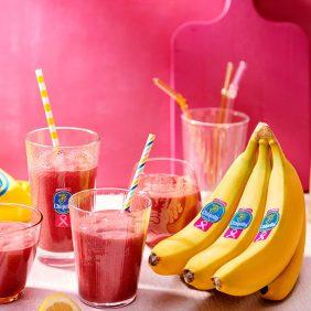Smoothie από μπανάνες Chiquita με καρότα, σκόνη παντζαριού, αγγούρι