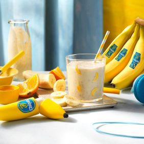 Smoothie με μπανάνα Chiquita, πορτοκάλι και μέλι