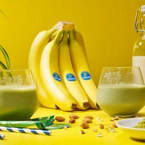 Smoothie με κατεψυγμένη μπανάνα και matcha από την Chiquita