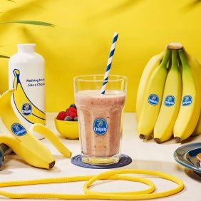 Πρωτεϊνούχο smoothie μπανάνας και μούρων για τη γυμναστική από την Chiquita
